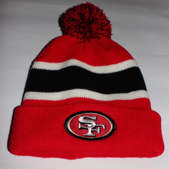 San Francisco 49ers Pom Beanie. M 5a997d6c8df47024af5f879d edd0d4c62